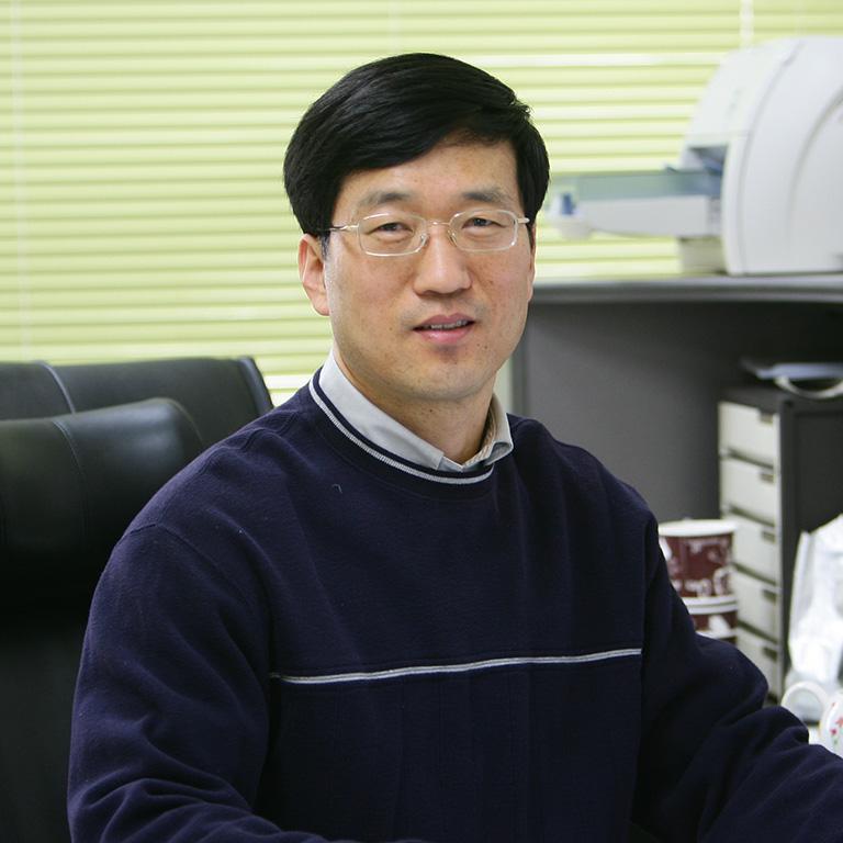 Hyunbo Cho